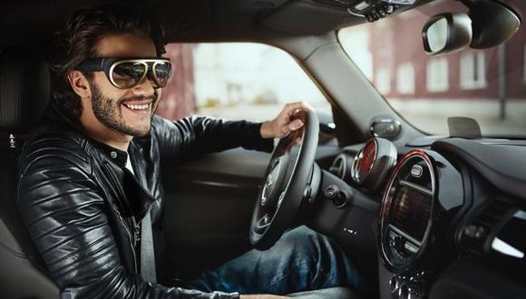Mini lanza gafas para conducir de manera futurista