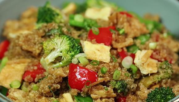 Holantao, frijolito chino y aceite de ajonjolí se fusionan perfectamente con la quinua. (Foto: A comer.pe)