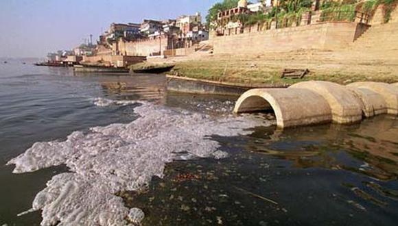 Millones de personas enferman por bañarse en aguas contaminadas