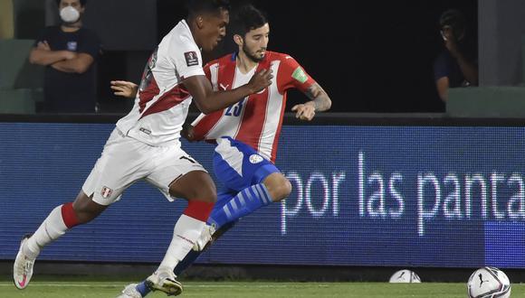 La selección peruana, segunda clasificada del grupo B, y la 'Albirroja', tercera del A, definirán al primer semifinalista de la Copa América. (Foto: AFP)