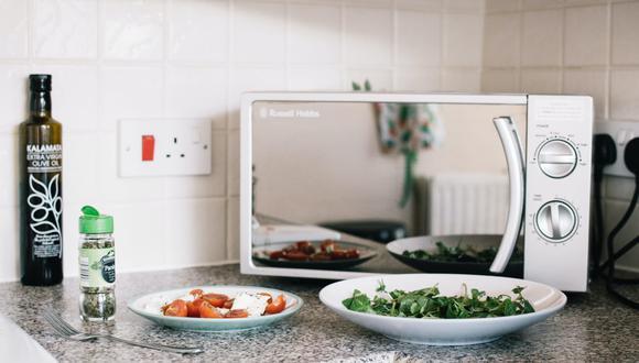 Estos trucos con el microondas te pueden hacer la vida más fácil. (Foto: Lisa Fotios / Pexels)
