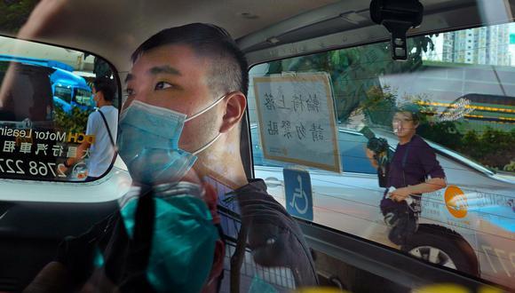Tong Ying-kit, de 24 años, se enfrenta a cargos de terrorismo y de incitación a la secesión por supuestamente conducir su motocicleta contra un grupo de policías. (Foto: Vincent Yu / AP)