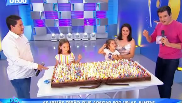 Las niñas virales por pelearse en una fiesta de cumpleaños reaparecieron en la televisión de Brasil. (Foto: Domingo Legal / YouTube)