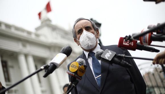 """""""La fiscalía no ha aperturado el proceso todavía, está en investigación. Esto es una cortina de humo de este señor que además está acusado de acoso sexual"""", afirmó Burga en RPP."""