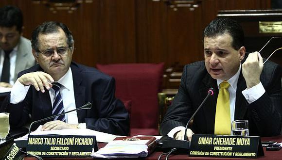 Informe de la Comisión de Constitución dice que Falconí (a la izquierda) y otros legisladores sí pueden renunciar. (Congreso)