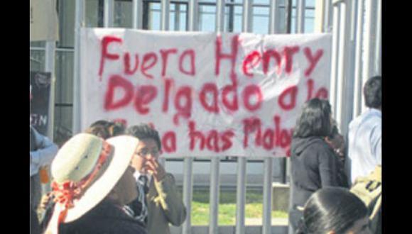 Colegio arequipeño lleva tres días tomado por sus alumnos