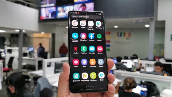 El smartphone Galaxy A70 de Samsung ya se encuentra disponible en el mercado peruano. Se vende con operadores y a través de tiendas de retail. (Foto: Bruno Ortiz B.)