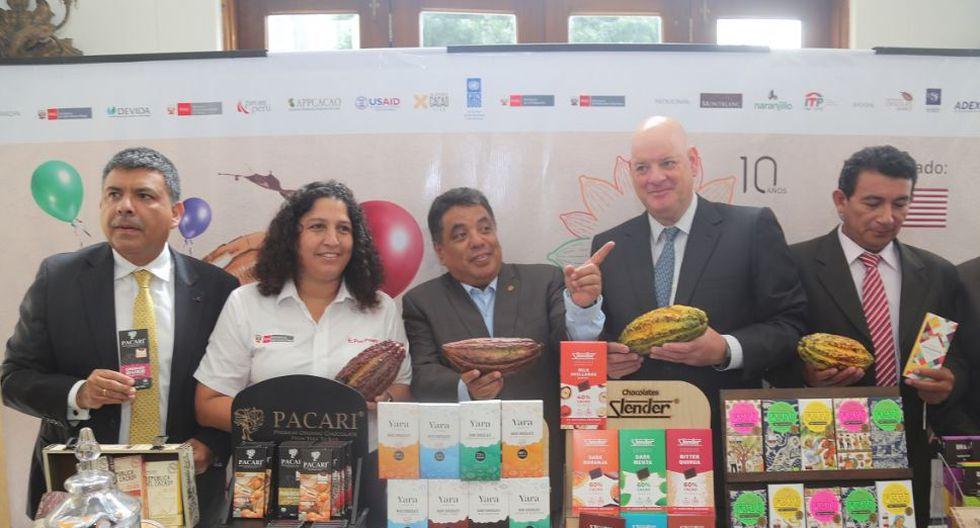 Durante su exposición, la ministra indicó que el Salón del Cacao y Chocolate que abre sus puertas en el Centro de Exposiciones Jockey, del 11 al 14 de julio. (Foto: Minagri)