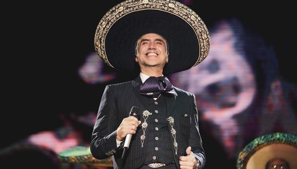 Alejandro Fernández dio positivo a COVID-19 y se encuentra en confinamiento. (Foto: @alexoficial)