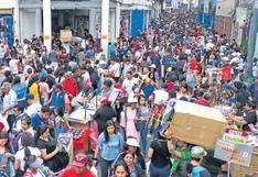 La informalidad desbordó las calles de Mesa Redonda en vísperas de Navidad