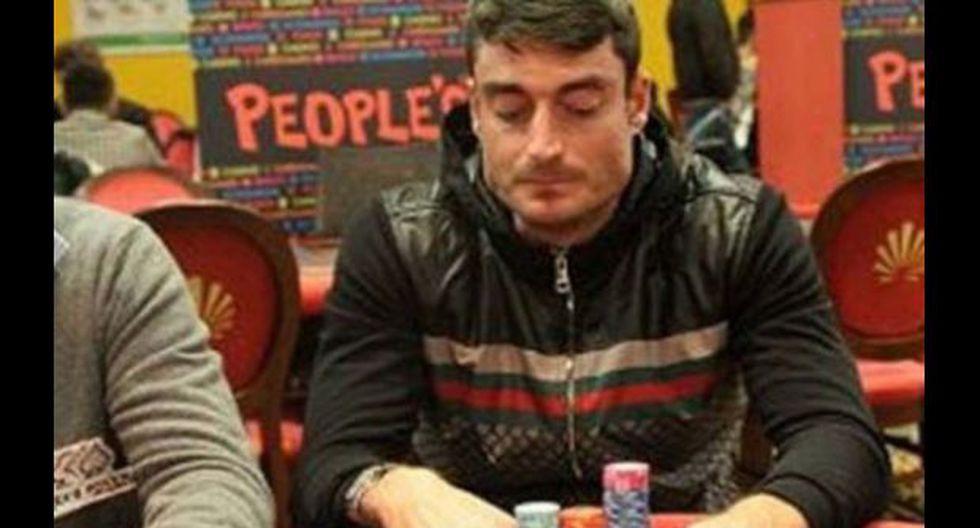 Futbolista español fue echado de su club por jugar al póquer