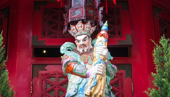 Muchos en Hong Kong acuden a los templos en busca de maestros que puedan ayudarlos con sus predicciones. (Getty Images).