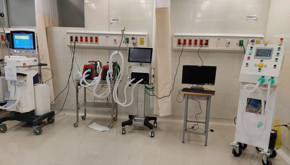 El ventilador mecánico 'FéniX' ya fue trasladado al hospital de Ate para ser sometido a su primera prueba. (Foto: Víctor Zamora/Twitter)
