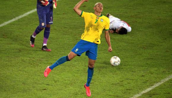 Richarlison selló la goleada 4-0 del equipo de Tite sobre Perú en la segunda fecha de la Copa América 2021. (Foto: AFP)