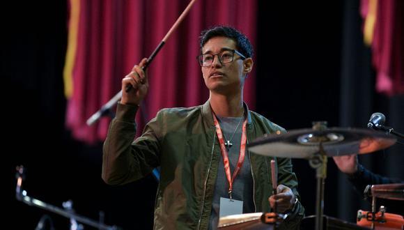 El peruano Tony Succar anuncia su firma con Warner Chappell Music en sus redes sociales. (AFP).