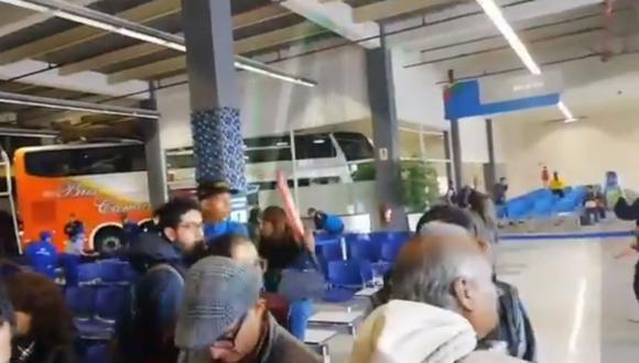 Incidente causó conmoción en el terminal. (Foto: Captura/Canal N)