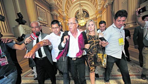 El congresista Edwin Donayre fue hallado responsable de delitos de corrupción por vender combustible del Ejército a grifos particulares. (Foto: Anthony Niño de Guzmán)