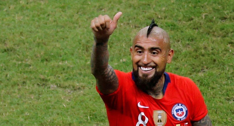 Arturo Vidal defendió a Jara tras agresión a hincha que invadió el campo en el Chile vs. Uruguay   Foto: Reuters