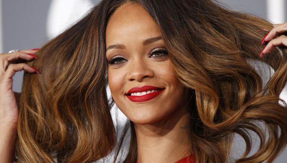Rihanna: filtran en Internet fotos de la cantante desnuda