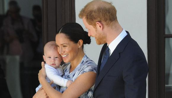 Meghan Markle y el príncipe Harry con Archie de Sussex. (Foto: AFP)