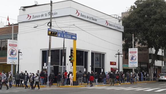 """""""En el Banco de la Nación se va a abrir esta cuenta básica de ahorro individual, cuenta DNI, para que puedan recibir de manera rápida (el Bono Familiar Universal)"""", dijo Vizcarra. (Foto: Violeta Ayasta / GEC)"""