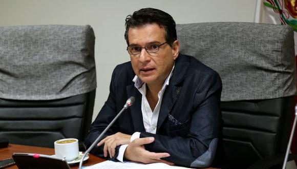 Omar Chehade (APP) considera que no se debe esperar hasta el 2026 para regresar a las dos cámaras legislativas, sino en el 2023. (Foto: Congreso)