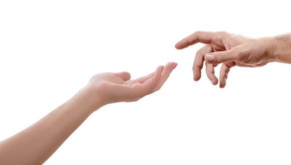 Imagen de dos manos humanas. (Foto: Pixabay)