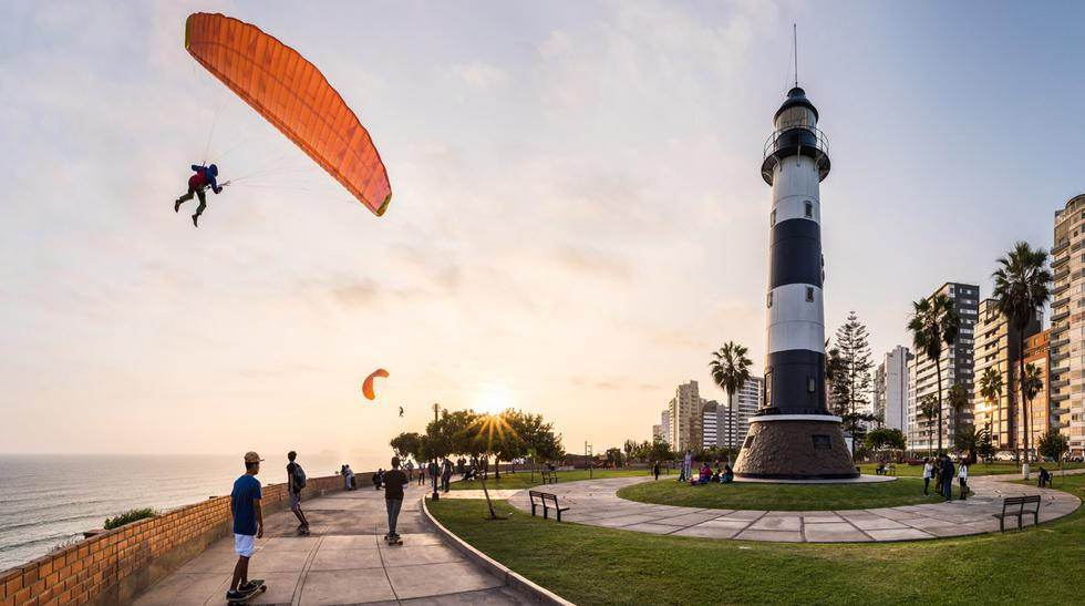Malecón de Miraflores considerado uno de los mejores de América.