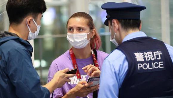 La bielorrusa Krystsina Tsimanouskaya denunció que quisieron llevarla de vuelta a su país. (Foto: Reuters)
