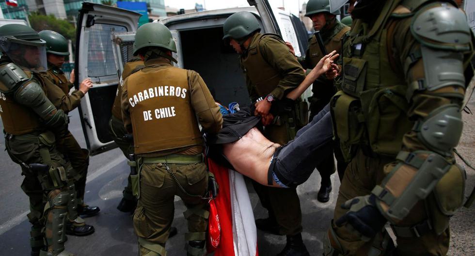 Las denuncias apuntan en especial a Carabineros de Chile, la policía militarizada, encargada de la dispersión de los manifestantes en las marchas. (AFP)