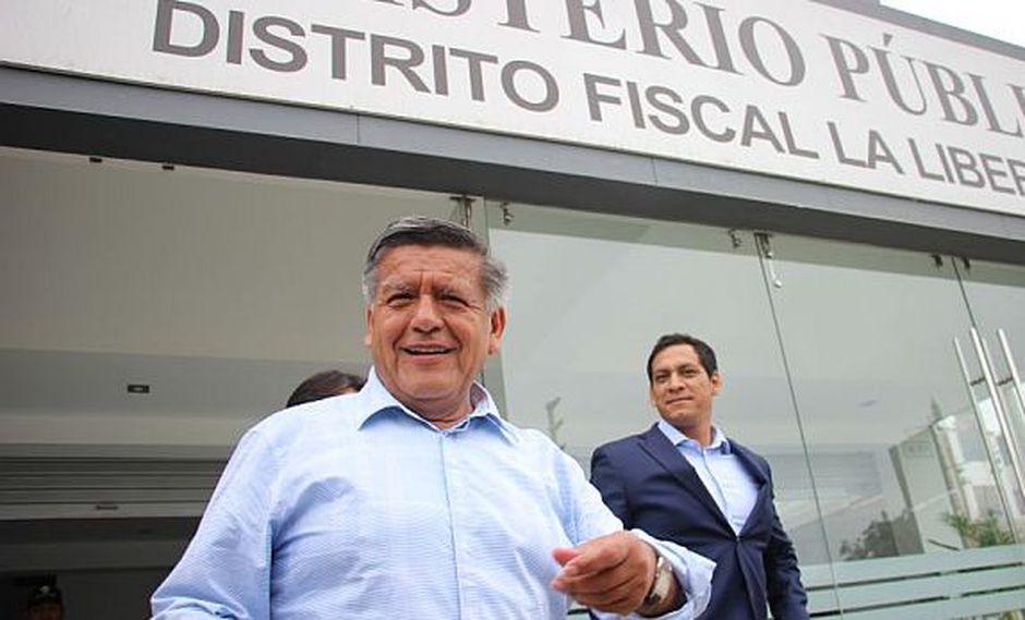 César Acuña declaró ante la fiscalía por el caso panetones