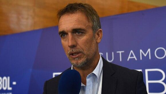 Gabriel Batistuta reveló que uno de sus hijos trabaja como empleado en una fotocopiadora. (AFP)