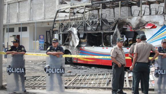 Incendio en bus dejó 17 muertos en el terminal Fiori de San Martín de Porres (Giancarlo Ávila / GEC)