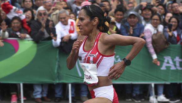 Gladys Tejeda of Peru competes in the women's marathon at the Pan American Games in Lima, Peru, Saturday, July 27, 2019. (AP Photo/Martin Mejia)
