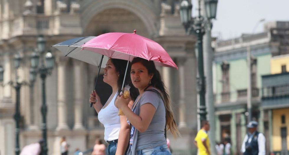 Para este jueves, el Senamhi advirtió que el índice máximo UV en Lima alcanzará el nivel 15, especialmente cerca del mediodía. (GEC)