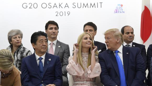 El rol que protagonizó la hija de Donald Trump durante la cumbre de líderes mundiales generó una ola de críticas de parte de la oposición demócrata, preocupada por el daño que puede causar a la imagen del país. (AP)
