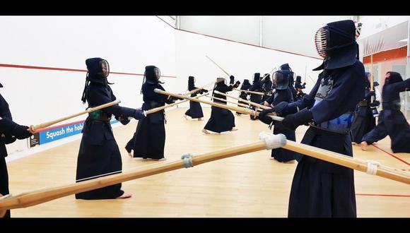 El Kendo es un arte marcial japonés que desciende de los entrenamientos que seguían los guerreros samurái.