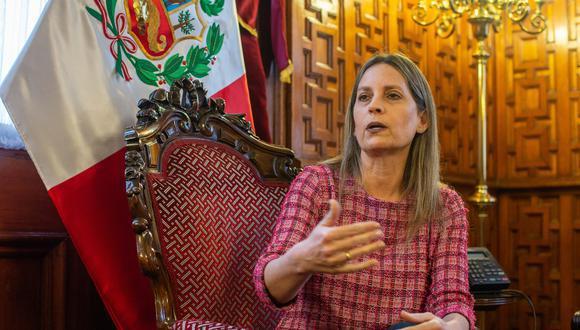 """María del Carmen Alva consideró """"inaceptable"""" que estas publicaciones con """"visiones particulares de la historia"""" sean difundidas en su página institucional. (Foto: El Comercio)"""