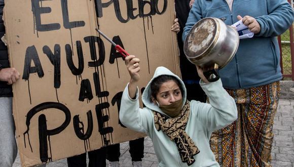 El desempleo trepó a su nivel más alto en una década en Chile, 13,1% en el trimestre a julio, mientras el Banco Central proyecta una contracción económica de entre 4,5% y 5,5% este año debido al coronavirus. (Foto: Martin BERNETTI / AFP).