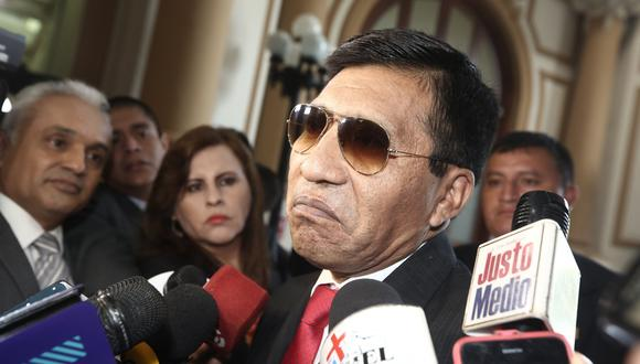 El suspendido congresista Moisés Mamani fue denunciado por una tripulante de Latam por tocamientos indebidos. (Foto: GEC)