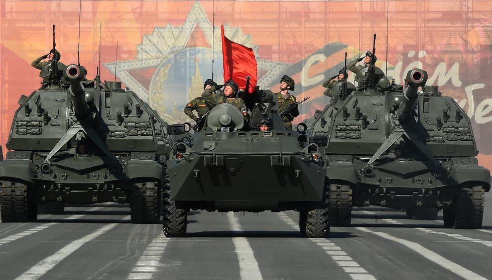 Trump decidió mostrar el músculo militar en un evento que no se veía en EE.UU. desde 1991. Por ello, elaboramos una lista con los desfiles más impresionantes en el planeta, como el de Rusia que aparece en esta imagen. (AFP)