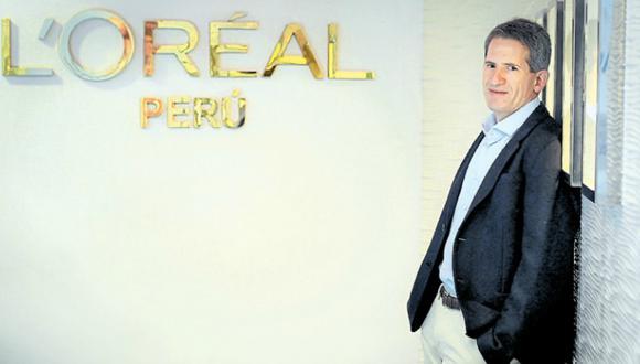 """""""En el Perú, el 85% del mercado de maquillaje está dominado por marcas de  venta por catálogo, pero en L'Oréal vemos esto como una gran oportunidad para conquistar nuevas consumidoras"""", señala Renato Abramovich, gerente general de L'Oreal. (Foto: El Comercio)"""