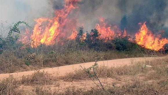 La imagenmuestra uno de los incendios que azotan la amazonía brasileña, en Porto Velho, capital del estado amazónico de Rondonia, Brasil. (Foto: EFE)