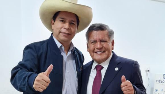 César Acuña se reunió este jueves con el presidente electo Pedro Castillo. Foto: Twitter @CesarAcunaP