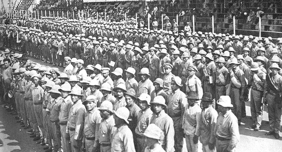 Durante la guerra del Chaco, el estadio ubicado en el barrio capitalino de Sajonia se convirtió en un campo de movilización para el ejército paraguayo y posteriormente en uno de concentración para los prisioneros bolivianos.
