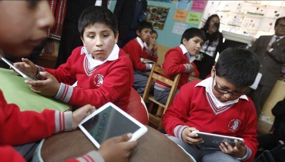 El Gobierno adquirirá tabletas para recibir la educación a distancia en zonas rurales.