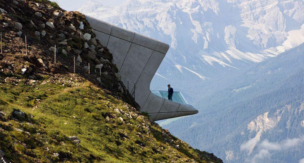 El Messner Mountain Museum Corones se encuentra en la cima del monte Kronplatz en Italia, en una de las zonas más populares para realizar deportes de invierno o caminatas durante el verano. (Foto: inexhibit / zaha-hadid.com)