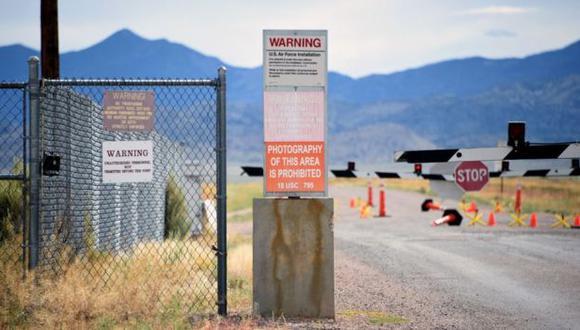 Los alrededores del Área 51 están señalados con avisos que prohíben la entrada. (Foto: Getty)
