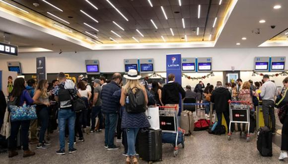Argentina: paro en aeropuertos de Buenos Aires afectó a más de 4 mil pasajeros. | Foto: AFP