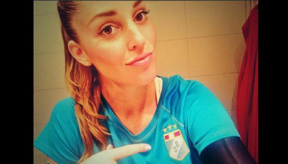 Raffaella Camet y un selfie dedicado a Sporting Cristal